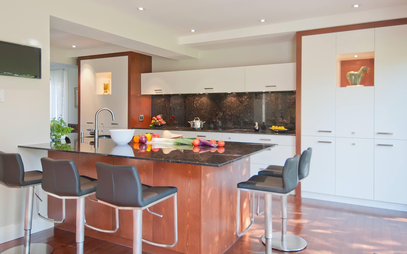 Rénovation du rez-de-chaussée: entrée, salle à manger, cuisine séjour