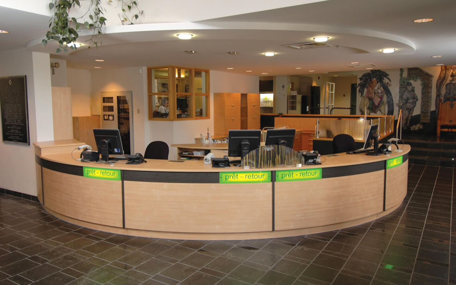 Mobilier intégré à la bibliothèque de Repentigny